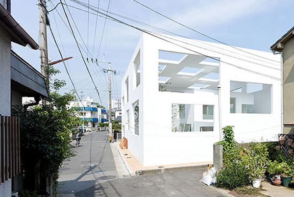 Sou fujimoto space monocut for N house sou fujimoto